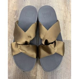 New Fit Flop 9 Bronze Piper Satin Slide Sandals